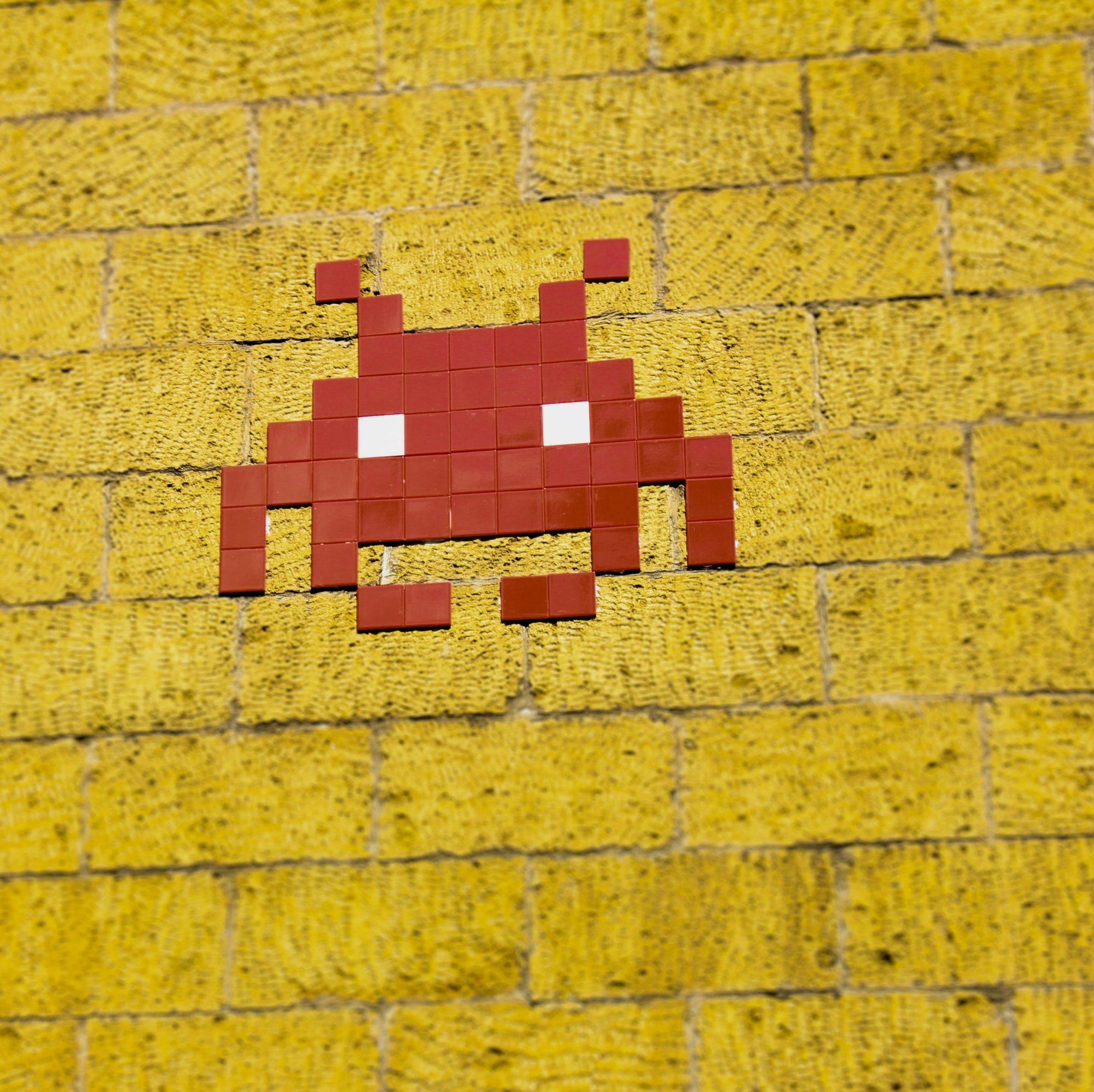 alien-arcade-background-1670977